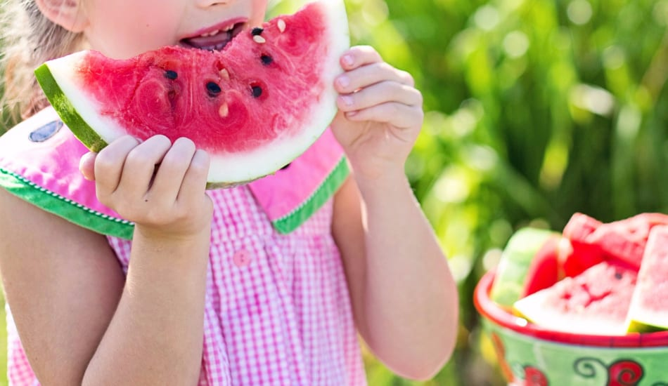 We're sharing a few of our favorite tips to really soak up every little bit of summer fun while still helping out kids get ready for the school year. Let's check them out!