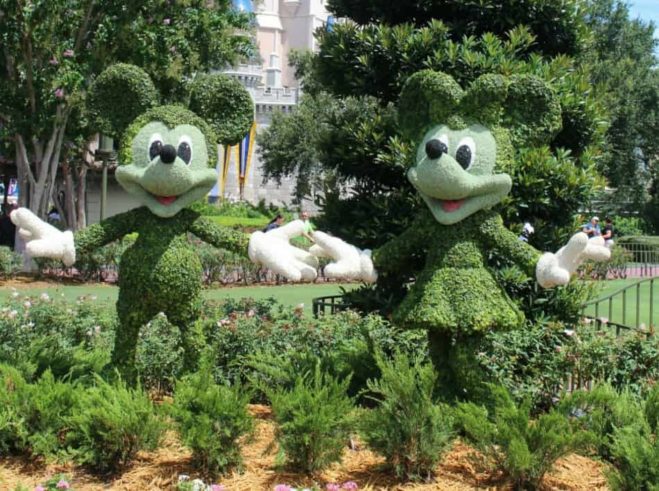 Did you know that Disney World is filled with little secrets? Check out how to find the hidden Disney World treasures & get some extra planning tips!
